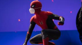 tom-holland-shares-first-look-of-spider-man-3-along-with-mask-message