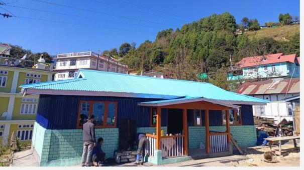 arunachal-students-turn-masons-carpenters-to-build-community-library