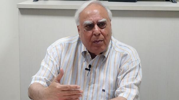maybe-they-think-all-s-well-kapil-sibal-vs-congress-again-after-polls