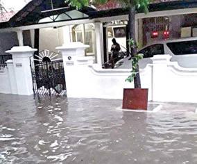 flood-in-karunanidhi-house