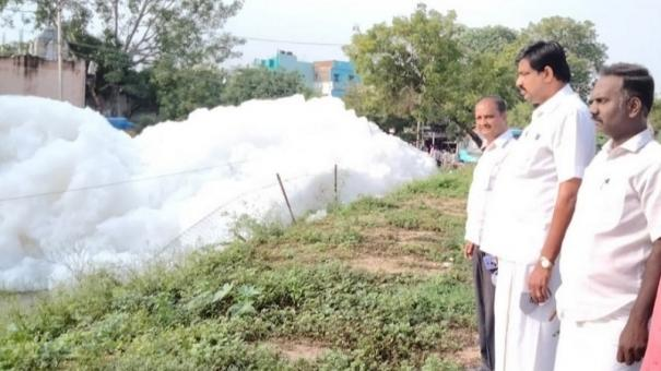 madurai-contaminated-water-turns-into-froth-people-panic