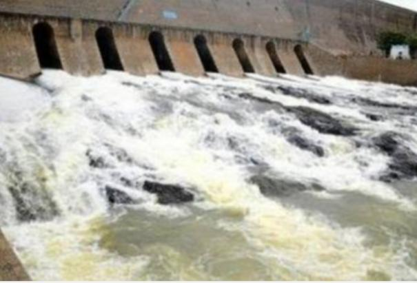 water-open-from-mettur-dam-increased