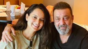 kangana-ranaut-meets-sanjay-dutt-netizens-call-her-hypocrite