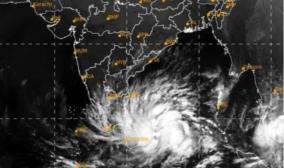 hurricane-buravi-formed-in-the-bay-of-bengal-crossing-the-border-between-kanyakumari-pamban