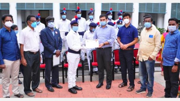 karaikal-students-elected-for-the-first-time-on-behalf-of-pondicherry-in-the-republic-day-parade-collector-praise