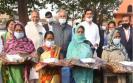 chhattisgarh-cm-celebrates-new-year-with-labourers