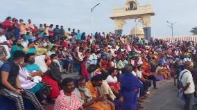 kanyakumari-thronged-by-tourists