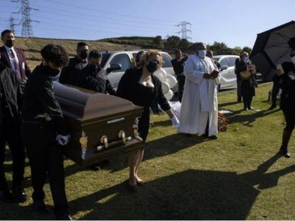 california-funeral-homes-run-out-of-space-as-covid-19-rages