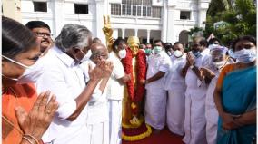 mgr-s-104th-birthday-chief-and-deputy-chief-minister-pays-homage-to-the-statue