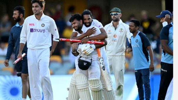 pant-surpasses-dhoni-to-become-fastest-indian-stumper-to-reach-1000-runs-in-test-cricket