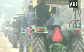 police-urge-farmers-to-shift-r-day-tractor-rally-to-kmp-e-way-farmers-say-won-t-budge-from-decided-route