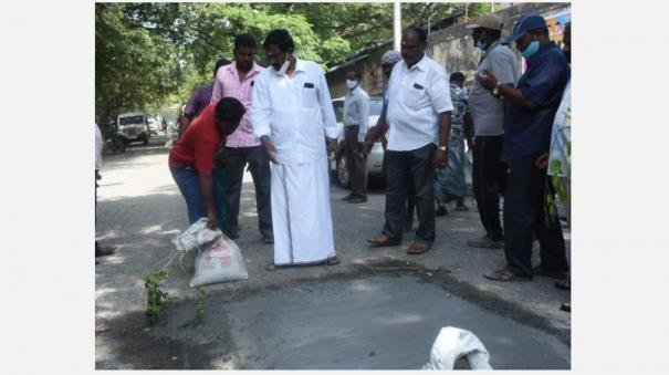 in-puducherry-aiadmk-mla-anpalagan-stopped-the-road-that-was-being-repaired-for-governer-and-cheif-minister