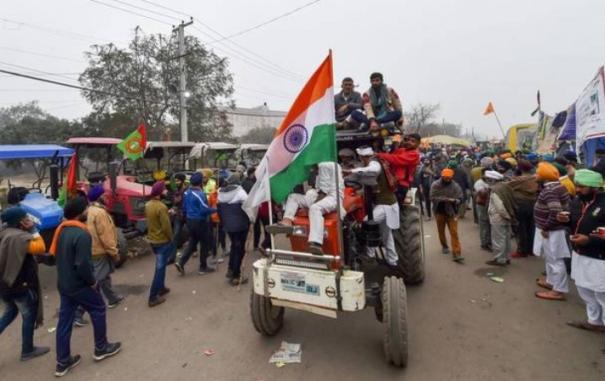 delhi-tractors-rally