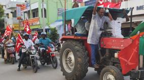 in-support-of-the-struggle-in-delhi-farmers-tractor-rally-at-kovilpatti
