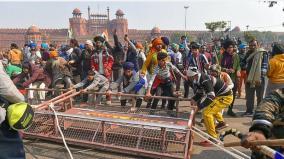 delhi-violence-yogendra-yadav-rakesh-tikait-patkar-among-37-leaders-named-in-fir