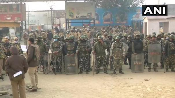 heavy-police-deployment-at-tikri-singhu-borders