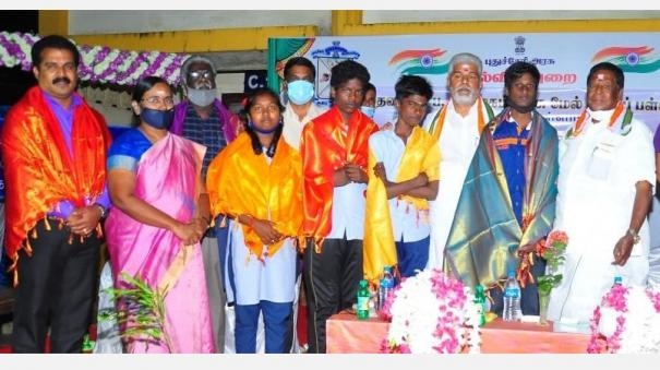 puducherry-government-school-students-win-national-level-arts-festival-competition-cm-praises