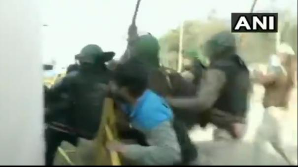 farmers-protest-clashes-break-out-at-singhu-border-lathi-charge-tear-gas-used