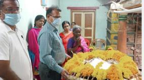 kumudimoolai-ramanujam-sells-22-acres-of-land-to-alleviate-farmers-woes-farmers-tribute