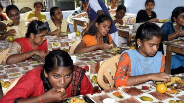 following-breakfast-a-free-lunch-program-will-be-launched-at-bharathidasan-government-women-s-college