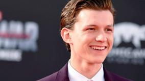 tom-holland-would-love-to-play-james-bond