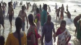 thai-new-moon-nithyakalyana-perumal-tirthavari-at-karaikal-beach