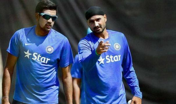 sorry-bhajju-pa-says-ashwin-after-breaking-harbhajan-record