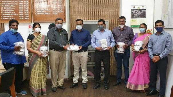 10-000-mask-worth-rs-5-lakh-rotary-club-provided-free-to-school-children