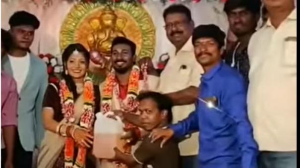 friends-who-gifted-petrol-gas-to-the-newlywed-couple