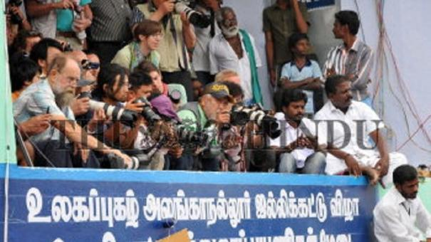 permanent-jallikattu-gallery-in-alanganallur-hc-bench-directs-collector