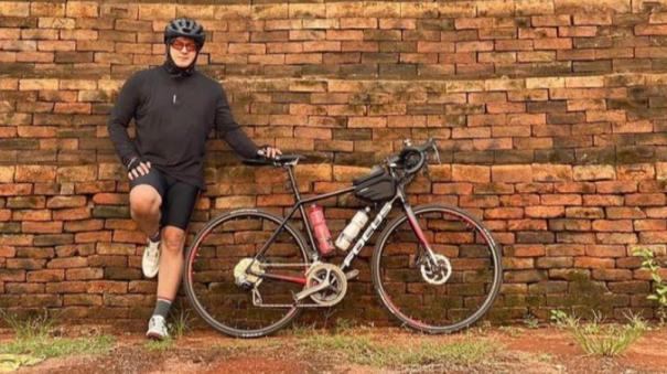 ajith-cycling-photos-going-viral
