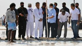 rahul-gandhi-assures-help-to-salt-pan-workers