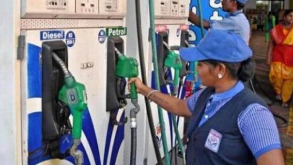 finance-ministry-considers-cutting-taxes-on-petrol-diesel-report
