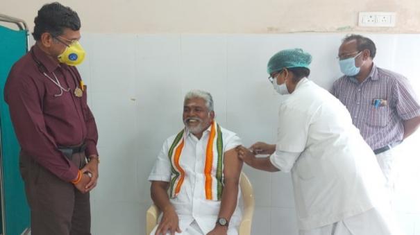 former-puducherry-minister-kamalakannan-has-been-vaccinated
