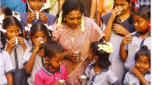 schools-in-pondicherry-start-functioning-full-time-governor-s-tamil-study-on-morning-milk-scheme