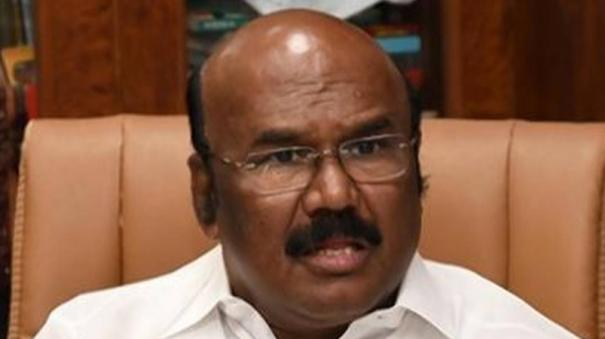 is-bjp-forcing-aiadmk-to-add-sasikala-in-an-alliance-minister-jayakumar