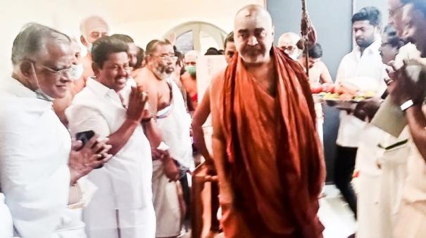 kumbakonam-dmk-mla-congratulates-kanchi-sankaracharya-for-contesting-and-winning-re-election