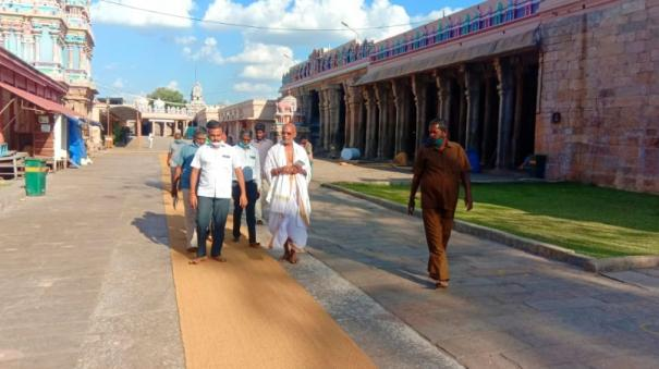 special-arrangements-have-been-made-for-the-devotees-to-walk-in-the-srirangam-temple-as-the-sun-is-shining