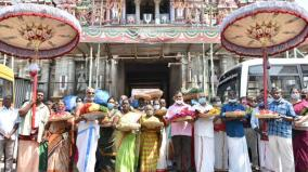 dedication-of-flowers-from-srirangam-to-samayapuram-mariamman