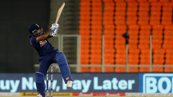 india-beat-england-by-8-runs-to-level-the-series-2-2