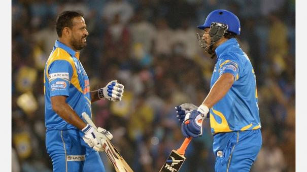 india-legends-beat-sri-lanka-legends-by-14-runs-to-win-road-safety-world-series-title