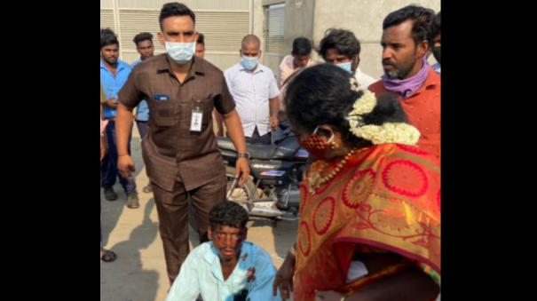 tamilisai-helps-youth-who-met-with-an-accident