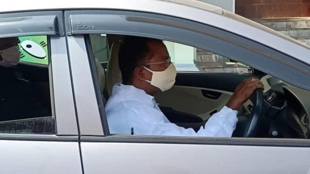 madurai-collector-s-gesture-to-covid-infected-ips-officer-moves-people