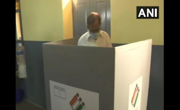 p-chidambaram-cast-his-vote