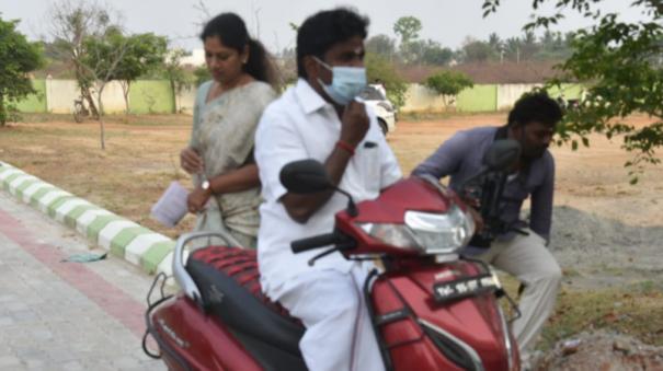 vijayabhaskar-cast-his-vote