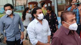 suriya-family-cast-his-vote