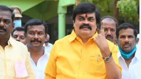 voting-in-virudhunagar-district-minister-rajendra-balaji-voted-for-the-gold-south