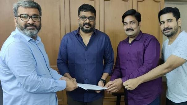 cs-amudhan-to-direct-vijay-antony-next