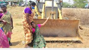 protest-against-construction-of-government-flats-near-pudukkottai-seizure-of-vehicles-road-blockade