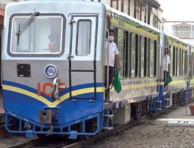mountain-train